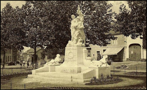 site florenville le monument arboré