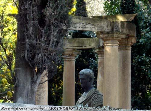 ws statue dans propriété les cedres