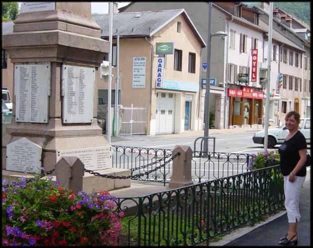 site faverges le monument au centre de la ville