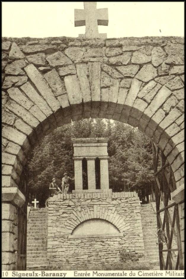 site signeulx baranzy entrée monumentale du cimetière français