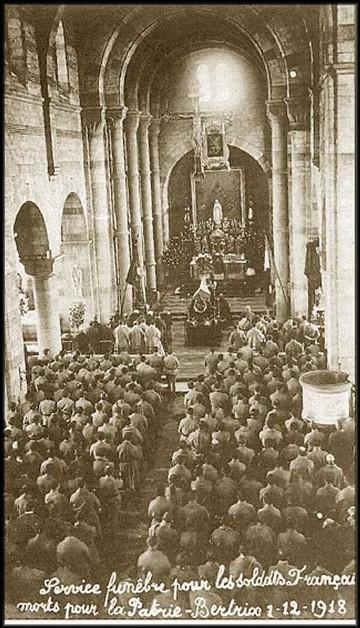 site 1 déc 1918 service funèbre pour les Soldats Français morts pour la Patrie
