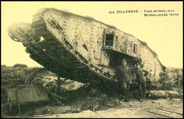 Le tank anglais ; Mark, premier char de combat blindé utilisé à la guerre – La Guerre de nos Héros