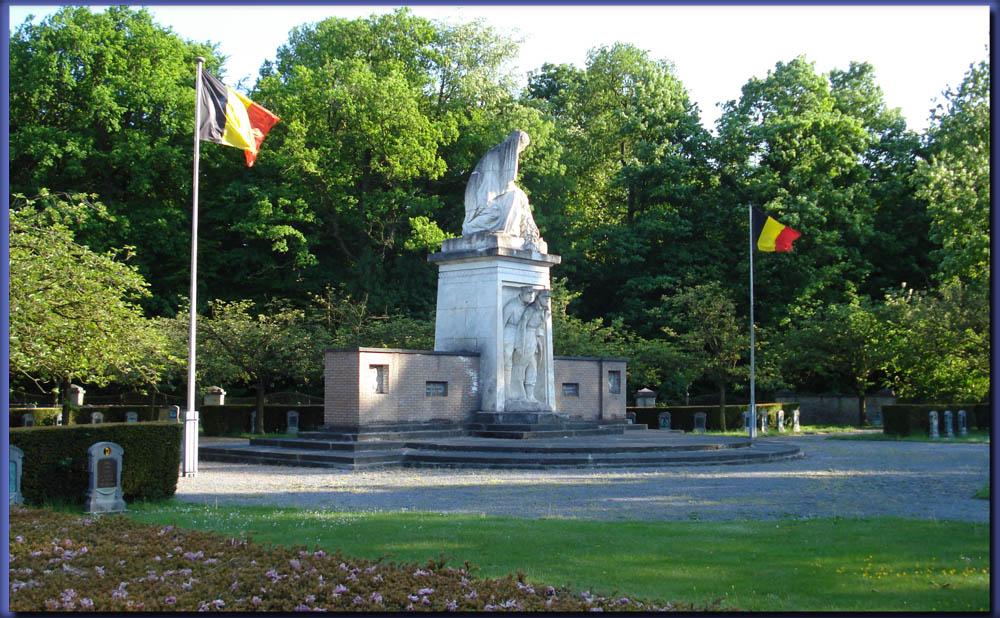 site me be champion monumentcimetière militaire 4ème div