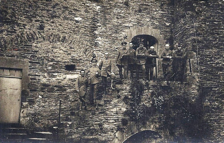 to be lux bouillon chateau sdts all 1916 au bout cour honneur