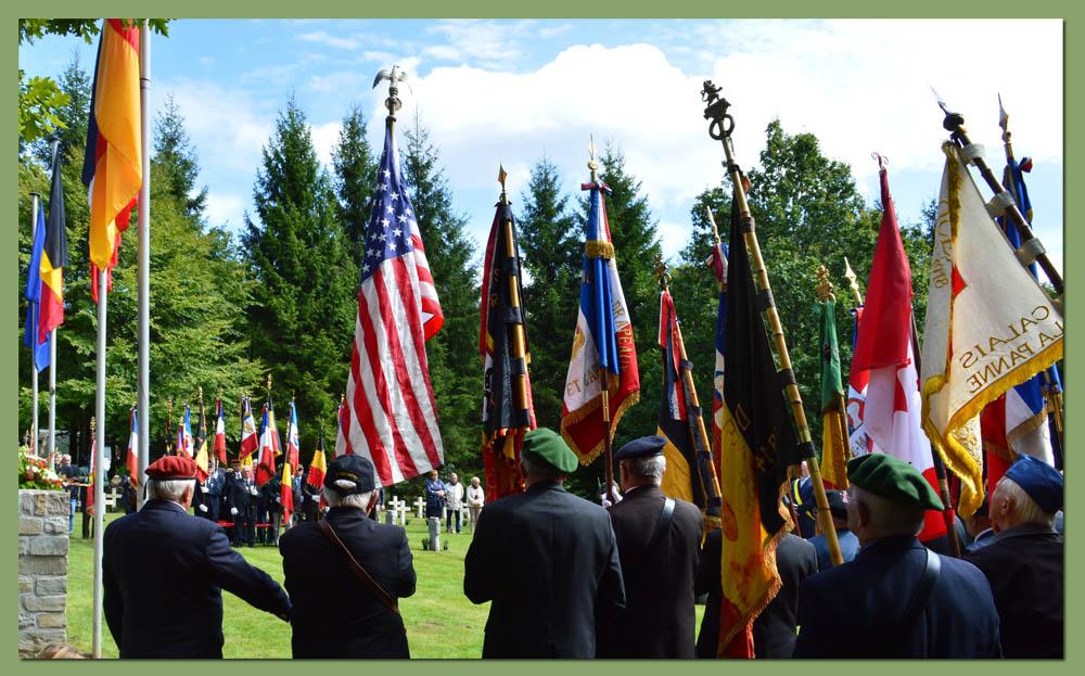 site to be drapeaux et etendards en berne
