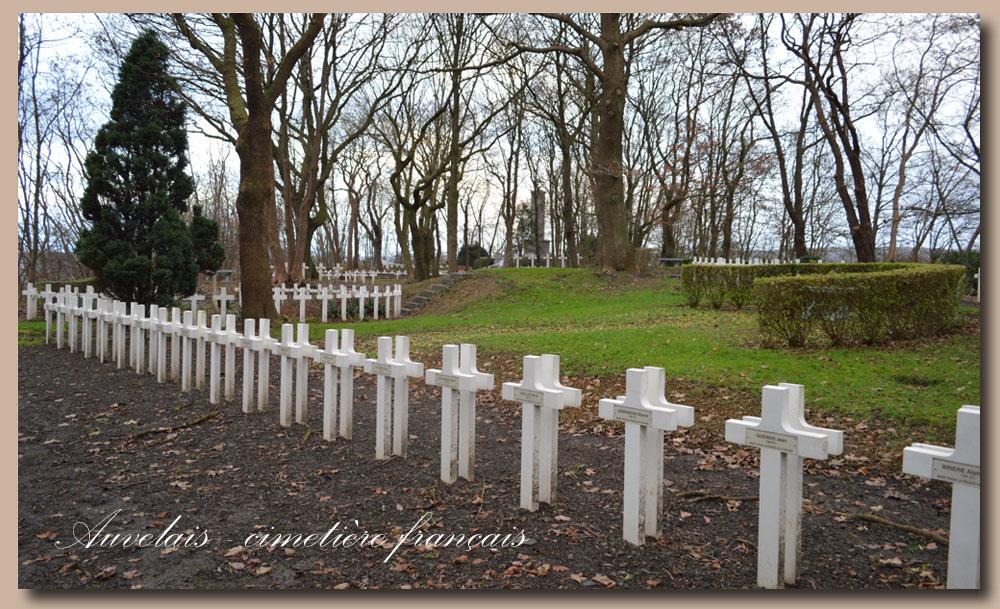 site to be cimetière français d'auvelais les croix