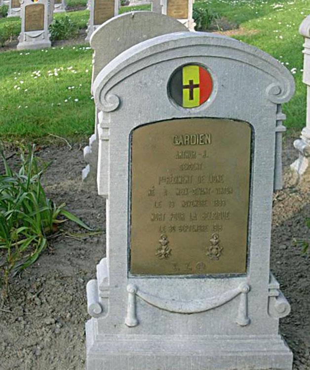 sépulture cimetière militaire de Feurnes gardien arthur