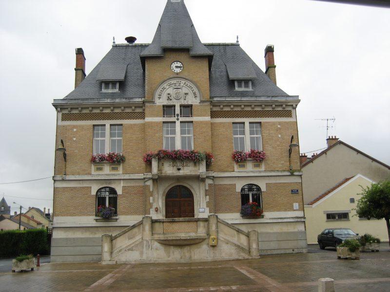 011-juniville-mairie