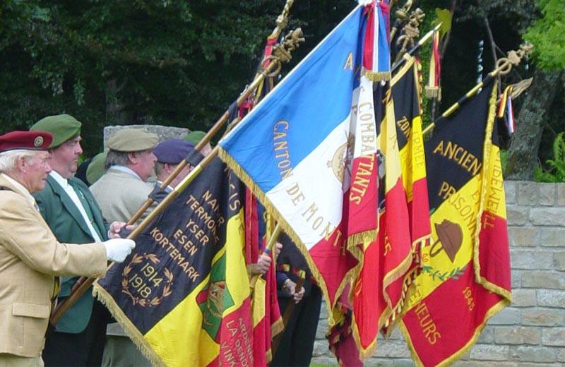 site-to-be-bertrix-90e-drapeaux-patriotiques-en-bernes-n2
