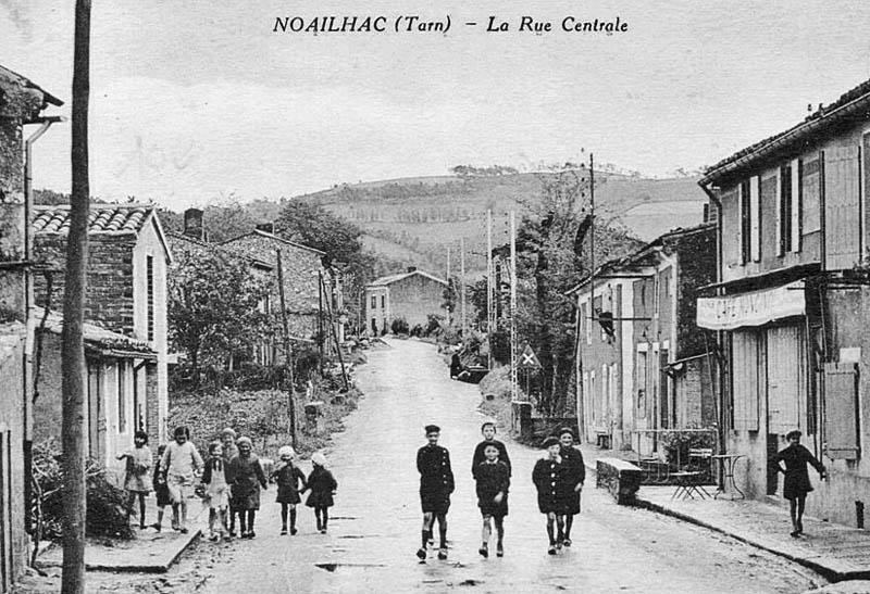 site-to-fr-noailhac-la-rue-centrale