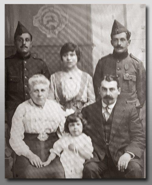 photo famille goor 2frères soldats