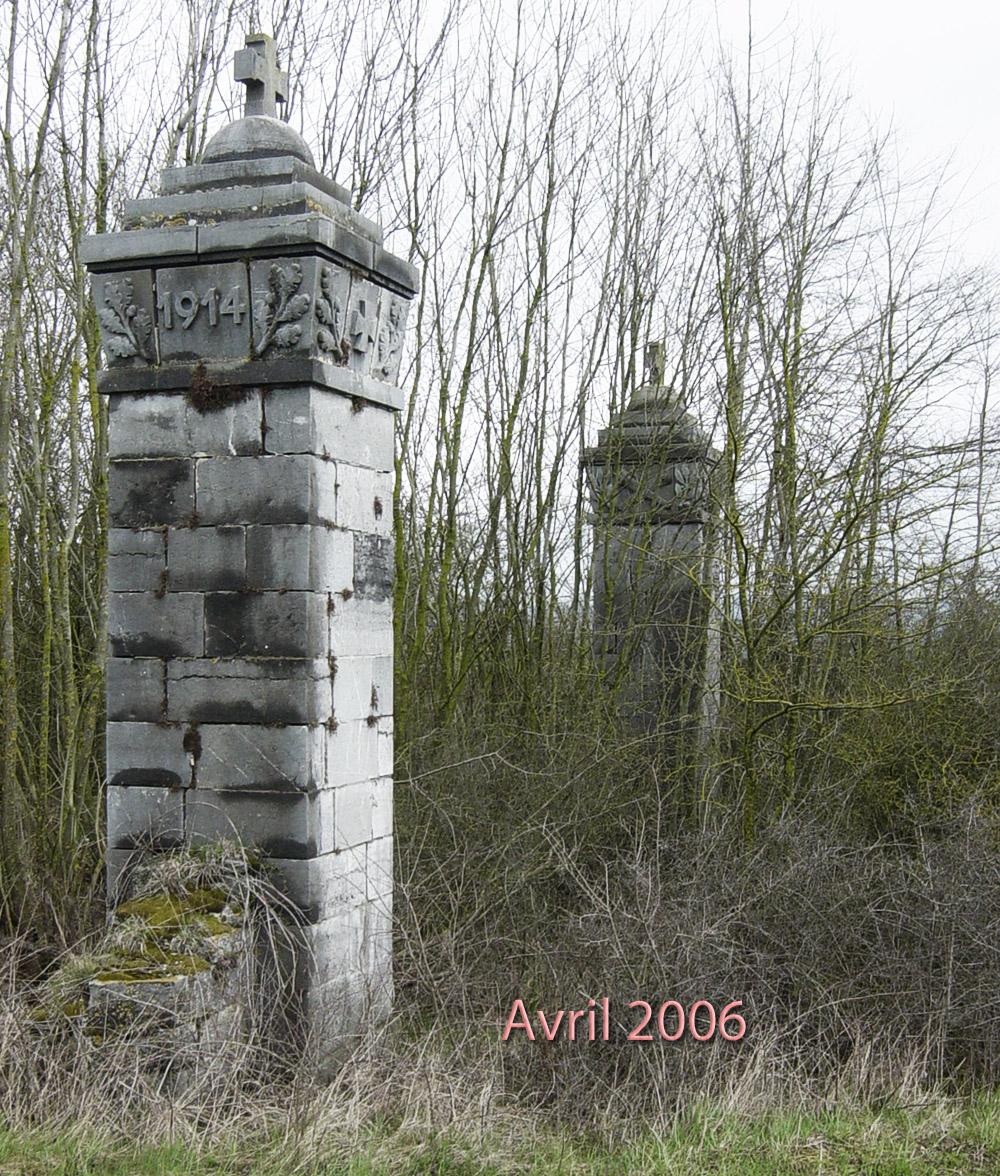 pilastres en avril 2006 chapelle givet
